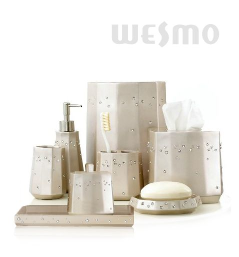 Resin bathroom accessories set wbp0816a wesmo for Bathroom designs for 7x4
