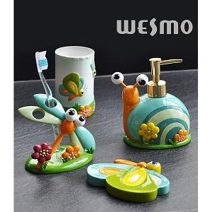 This Kids Bathroom Accessory Is A Lovely Collection For Each Piece Sculptured With Snail Erfly Or Dragon Fly The Shape And Sculptures